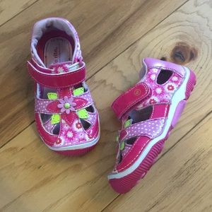 little girls stride rite sandals 6.5